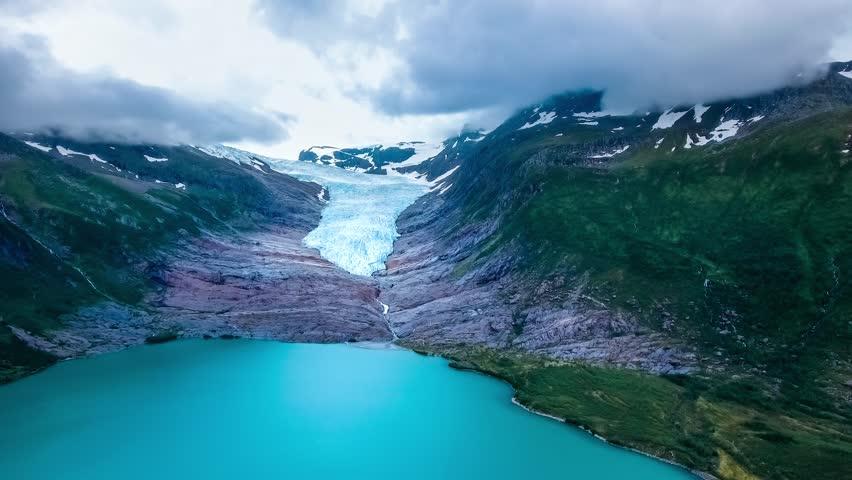 Jääkiipeilyä Norjassa